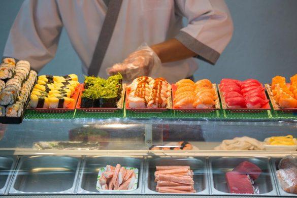 アメリカで日本食を提供する飲食店の数は増加し続け、今日までに2万店を超えるまでになっている。その中でも人気の寿司はカリフォルニアやニューヨークなどを中心に4,000店程が本格的な寿司を提供している。筆者はそんなアメリカの寿司店の仕入れの実態を知る機会に恵まれた。
